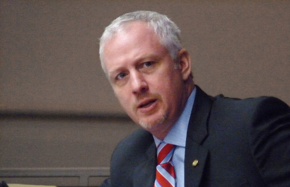 "At a hearing in Tallahassee, state Sen. Jeff Clemens, D-Lake Worth, tried to get a state emergency management official to say ""climate change."" (House photo by Mark Foley.)"